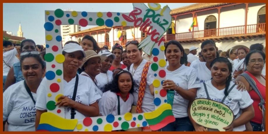Organizaciones sociales inician campaña por el Sí con una fiesta en la Plaza de la Aduana