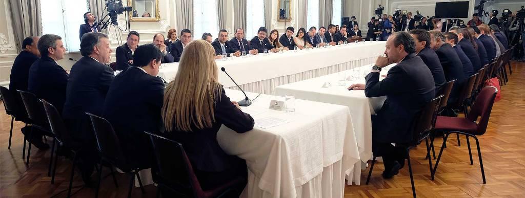 El Presidente Juan Manuel Santos sostuvo un extenso encuentro con los gobernadores del país en la Casa de Nariño, después de haberle sido otorgado el Premio Nobel de Paz 2016.