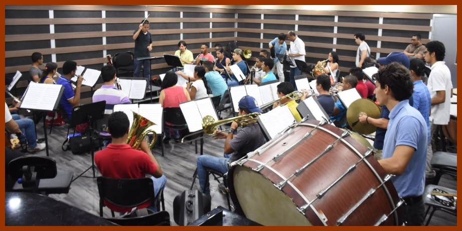 Con un concierto de la sinfónica Giovanni de Sanctis avanza agenda cultural de Unibac
