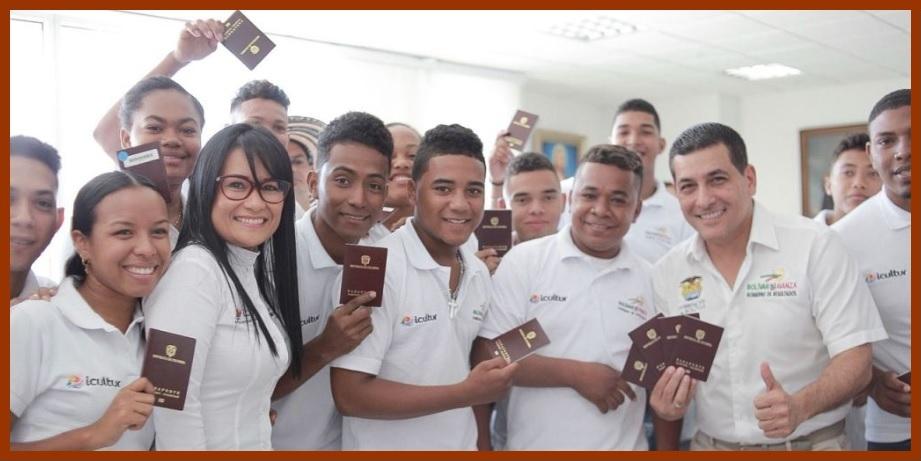La Gobernación entrega 'visas para un sueño' a jóvenes de la Banda 25 de Noviembre
