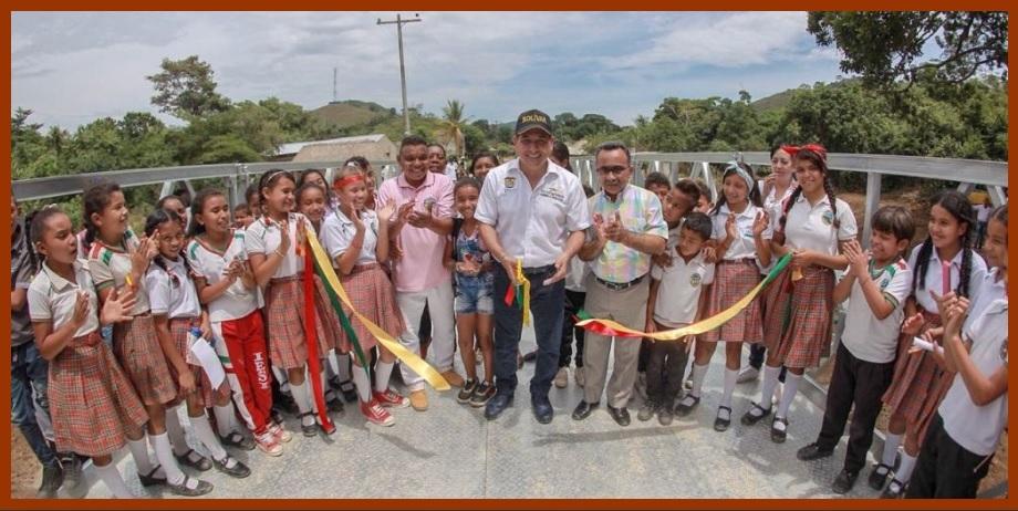 Gobernación inaugura dos puentes en los Montes de María y un colegio en Mompox