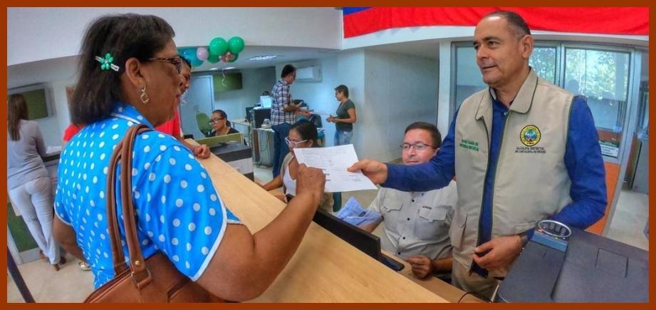 A la par que restaurar la confianza ciudadana, Distrito busca recaudar más impuestos