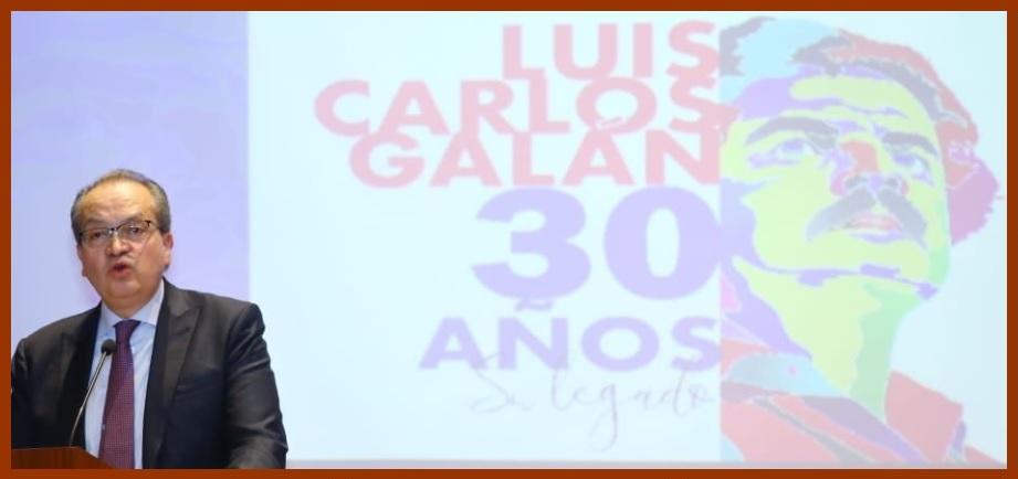 «Sí es posible hacer política sin necesidad de ensuciarse las manos»: Fernando Carrillo