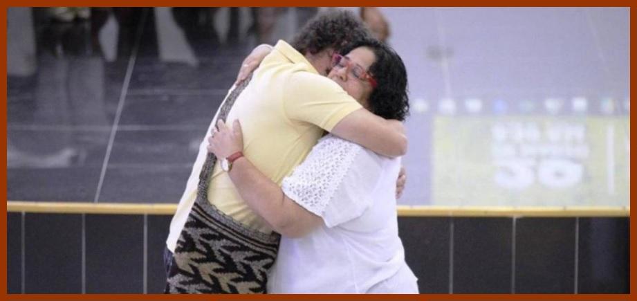 Un abrazo de reconciliación en nombre de las víctimas de Los Montes de María