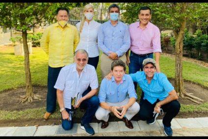 Alianza de exmandatarios, en pro de una candidatura presidencial sin Petro y sin Uribe