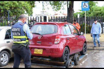 Estacionamiento en las vías públicas: ¿solución o problema?