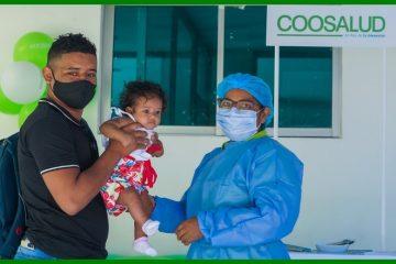 Antes de regresar a clases, los niños y niñas deben vacunarse contra el sarampión y la rubéola
