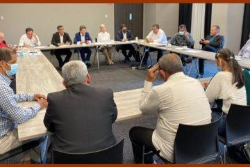 Ediles y comunales del país conciertan agenda común con alianza de exmandatarios regionales